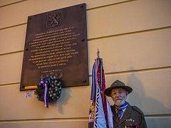 Pamětní deska Čechům, Židům a protinacisticky smýšlejícím Němcům vyhnaným v roce 1938 z českého pohraničí byla slavnostně odhalena 12. listopadu na pražském Masarykově nádraží.