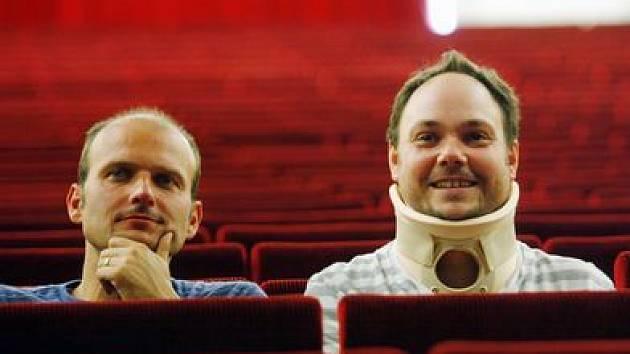 ŠVEJKOVÉ. Dalibor Gondík (vpravo) a Martin Sobotka budou alternovat v titulní roli.