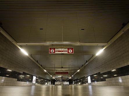 Stávka dopravních odborů probíhala 16. června v Praze. Nejezdilo metro a omezeně autobusy a tramvaje. Snímek je ze stanice metra C Muzeum v 16.10h.
