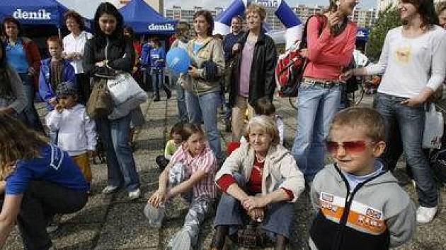 Na čtvrteční Den s Deníkem do Bohnic dorazily desítky místních obyvatel.