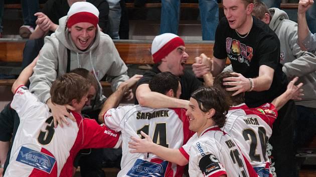 Obrovskou radost měli po vítězství nad Andy Liberec futsalisté Slavie.
