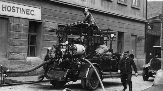 Z počátků hasičského sboru v Praze.