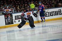 Brankář hokejové Sparty Matěj Machovský má v extralize dobrou formu.