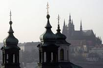 Přibudou v Praze k malebným věžím a věžičkám výškové budovy a mrakodrapy? Tím se teď zabývá i organizace UNESCO.