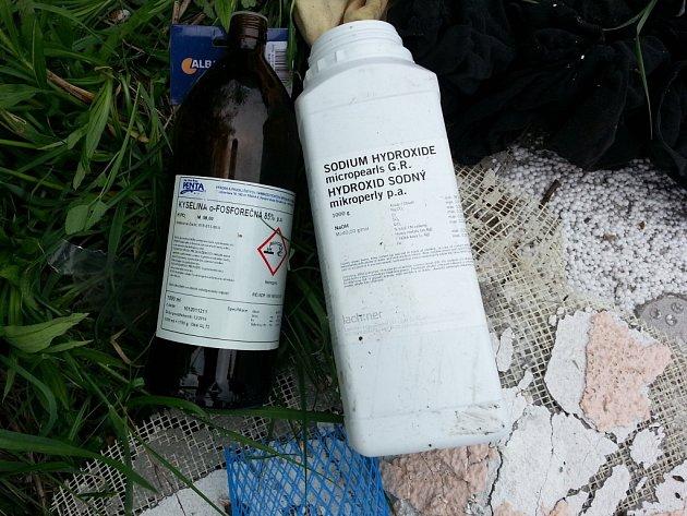 Chemikálie. Ilustrační foto.