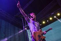 Kytarista a zpěvák kapely Wohnout Jan Homola.