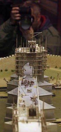 Model Karlova mostu v měřítku 1 : 100.