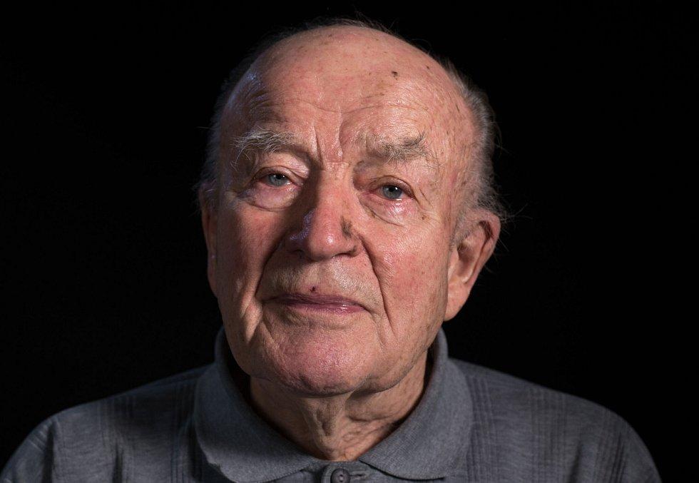 Jan Kasal při natáčení pro Paměť národa v roce 2016.