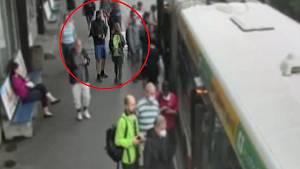 Muž podezřelý z obtěžování mladé ženy v metru