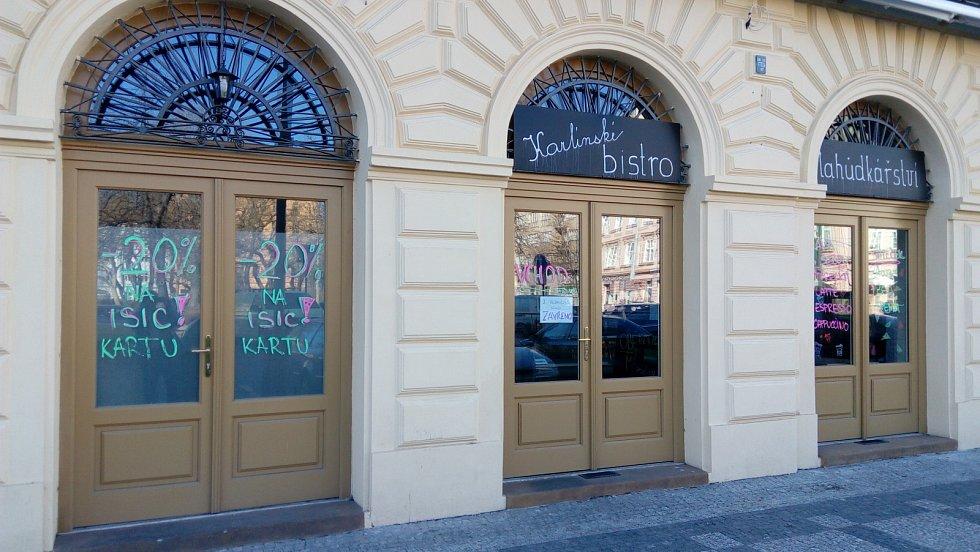 Zavřené hospody, restaurace a bary v Karlíně.