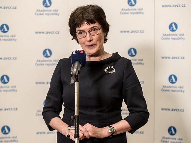 Tisková konference na Sněmu Akademie věd ČR 12. prosince v Praze. Na snímku předsedkyně Eva Zažímalová.