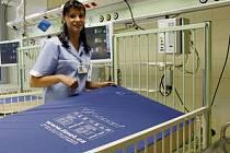 DOSTANE POSILU Z VIETNAMU? Zdravotní sestry jsou v metropoli nedostatkové zboží, nemocnice je lákají nejrůznějšími bonusy.