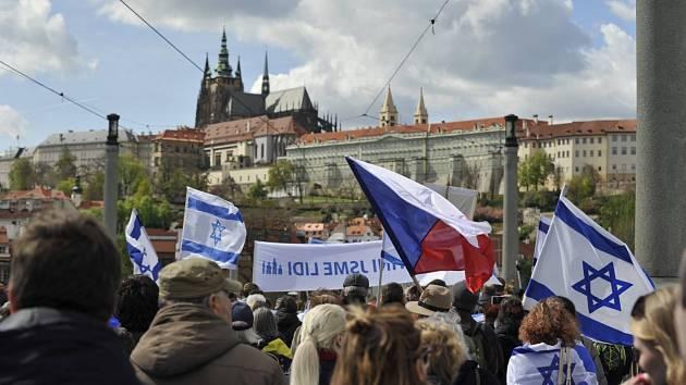 Kulturou proti antisemitismu.