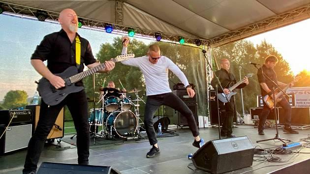 V Modré Vopici ve čtvrtek večer představí své nové album berounská rocková kapela Black Hill.