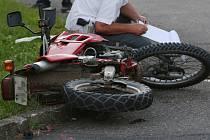 Nehoda motocyklu. Ilustrační foto.