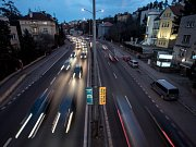 Doprava v ulici V Holešovičkách.