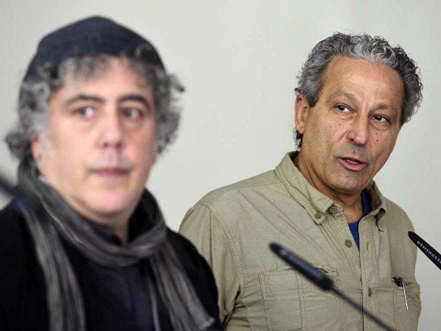 Členové poroty Czech Press Photo Ron Haviv a Ed Kashi (vpravo) vyhlašují nominace