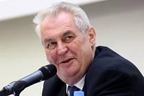 Prezident Zeman přijal na Hradě zlaté fotbalisty z Bělehradu. Ilustrační foto.