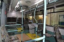 Interiér nízkopodlažního elektrobusu SOR EBN 11.