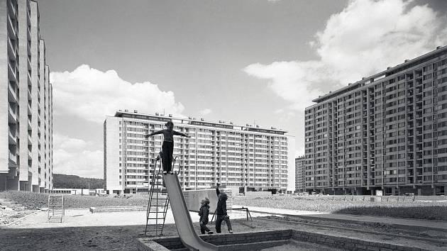 Snímek sídliště Ďáblice v Praze, 1. polovina 70. let