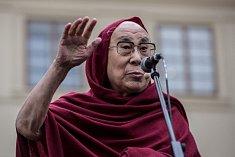 Dalajlama při návštěvě v Praze.