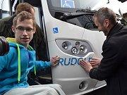 Sbírka Jezdíme pro Jedličkův ústav vynesla 4,8 milionu korun, chybějící částku do ceny autobusu uhradila Nadace Jedličkova ústavu, která sbírku pořádala.