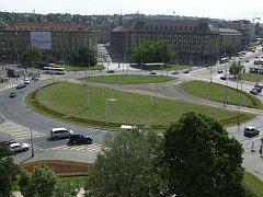 Kruhový objezd Vítězné náměstí. Ilustrační foto