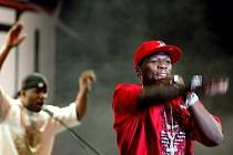Charizma populárního amerického rappera 50 Centa uchvátilo i pražské publikum.