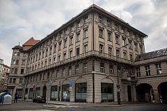 Budova bývalé banky IPB na pražském Senovážném náměstí 19. prosince.