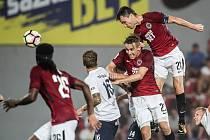 Zápas 4. kola fotbalové HET ligy mezi Sparta Praha a 1. FC Slovácko, hraný 18. sprna v Praze. David Lafata dává gól.