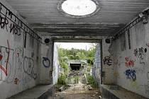 ÚKRYT BEZDOMOVCŮ. Bývalé armádní středisko protivzdušné obrany už nepřipomíná.