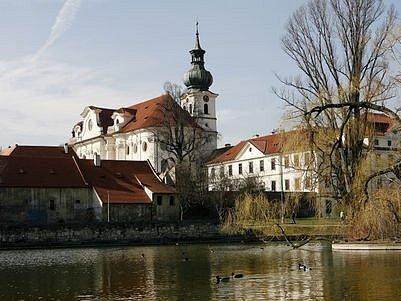 Naruší plánováná výstavba Centra Vypich dominantu Břevnovského kláštera?