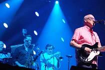 V pražské O2 Areně vystoupil 26. června 2019 britský kytarista a zpěvák Mark Knopfler.