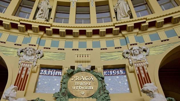 Fantova kavárna v budově Hlavního nádraží v Praze.