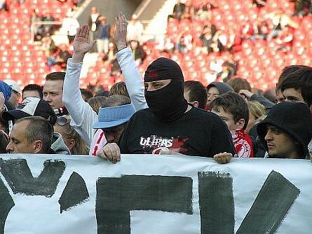 Ve čtvrtek 5. 5. 2011 se proti sobě v semifinále Ondrášovka Cupu utkaly týmy Slavie Praha – Sigmy Olomouc.