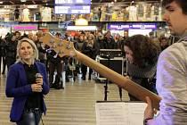 Nalaďte se v metru. Verunka Svobodová na Hlavním nádraží.