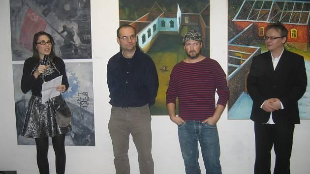 Z vernisáže výstavy - zleva: kurátorka Rea Michalová, umělci: Jaroslav Valečka, Martin Káňa, David Saudek