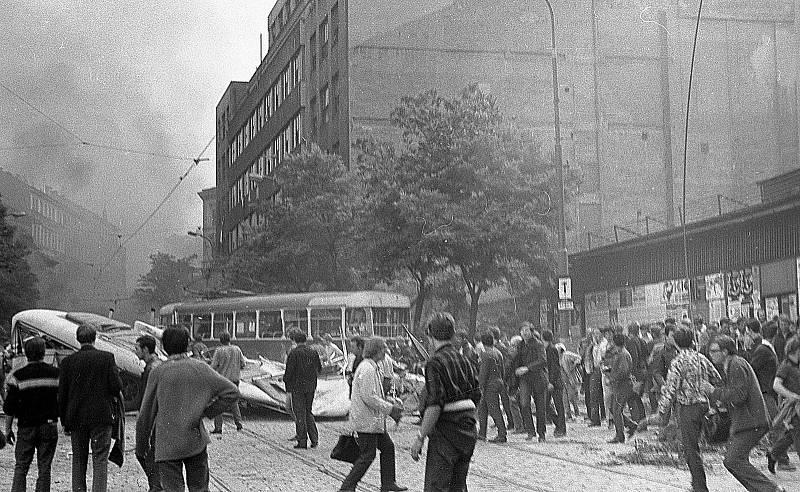 Rozhlas v obležení okupantů, srpen 1968.