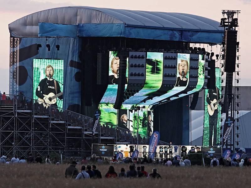 Koncerty Eda Sheerana bývají vyprodané. Není se čemu divit, že teď je zpěvákovo jmění odhadováno na 200 milionů dolarů.