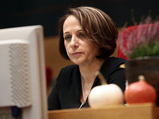 Primátorka Adriana Krnáčová z hnutí ANO může být jistou překážkou k ustavení velké magistrátní koalice. Platné usnesení předsednictva ANO na jejím setrvání ve funkci ale trvá.