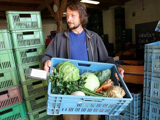 Až k zákazníkům do Prahy dovezou farmáři v bedýnkách objednané potraviny i nápoje, které sami vyprodukují.