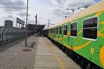 Vlak na festival do Banátu v pražských Holešovicích.