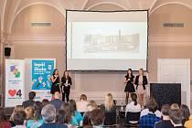 Vylepšení, která si vymyslely samy děti, se brzy dočkají dvě školy z Michle. To je výsledek dlouhodobého soutěžního projektu Lepší škola.