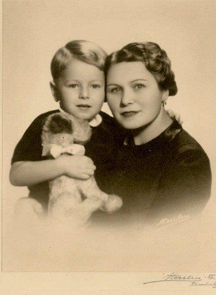 Jiří Březina s maminkou.