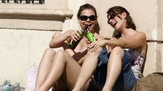 Mezi cizince, kteří si jezdí do Prahy především užívat, patří hlavně Britové.