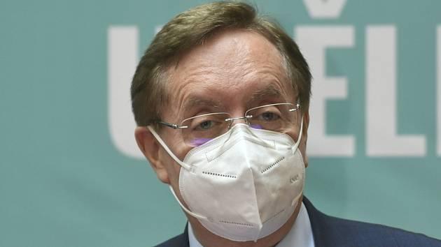 Ministr zdravotnictví Petr Arenberger (za ANO) na tiskové konferenci 25. května 2021 v Praze oznámil svoji rezignaci.