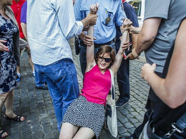 Demonstrace proti imigraci se uskutečnila ve středu 1. července na Václavském náměstí v Praze.