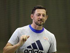 Trénink HC Dukla Praha házená. Trenér Daniel Čurda.