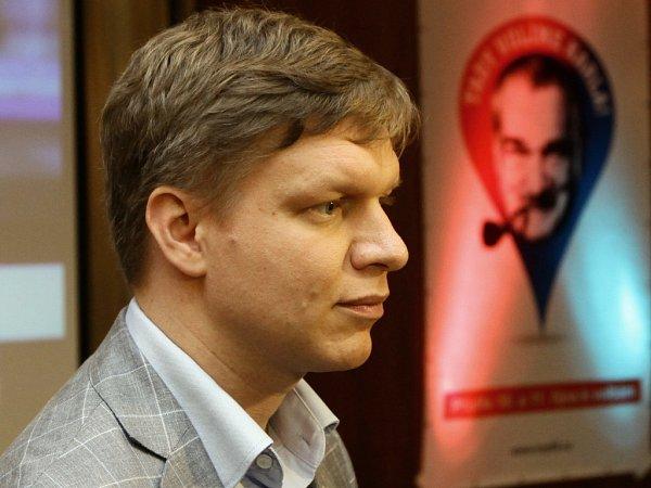 TOP 09vpražském hotelu Dorint Don Giovanni čeká na výsledky voleb. Na snímku Tomáš Hudeček.