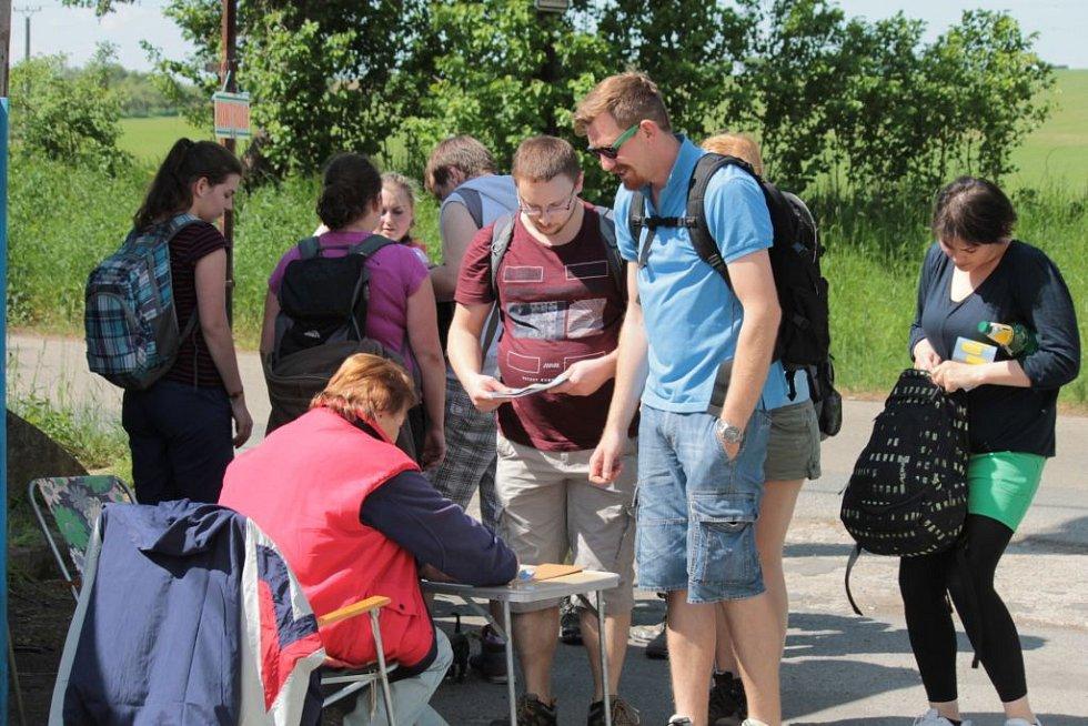 Jubilejní padesátý ročník pochodu Praha – Prčice přilákal podle prvních odhadů kolem 20 tisíc lidí. To je více než loni, kdy se akce zúčastnilo necelých 15 tisíc lidí